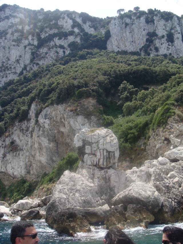 Ilha de Capri - Aspecto físico da geologia e vegetação